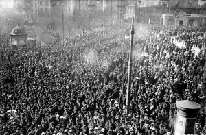 Norra Bantorget i Stockholm 1 maj 1917. Bild från Wikipedia.