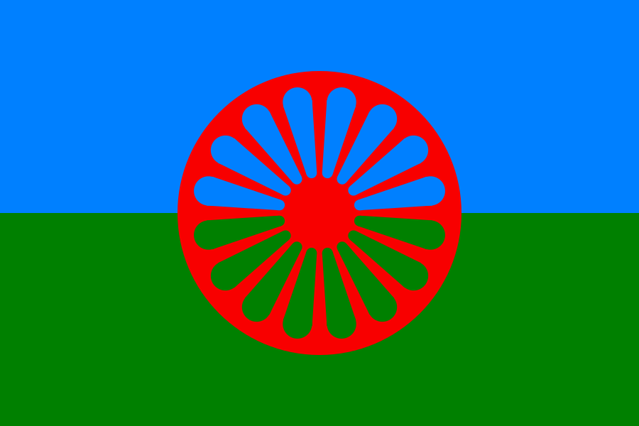 Romernas flagga. Teckning AdiJapan. Licensierad under Public Domain via Wikimedia Commons - http://commons.wikimedia.org/wiki/File:Flag_of_the_Romani_people.svg#/media/File:Flag_of_the_Romani_people.svg