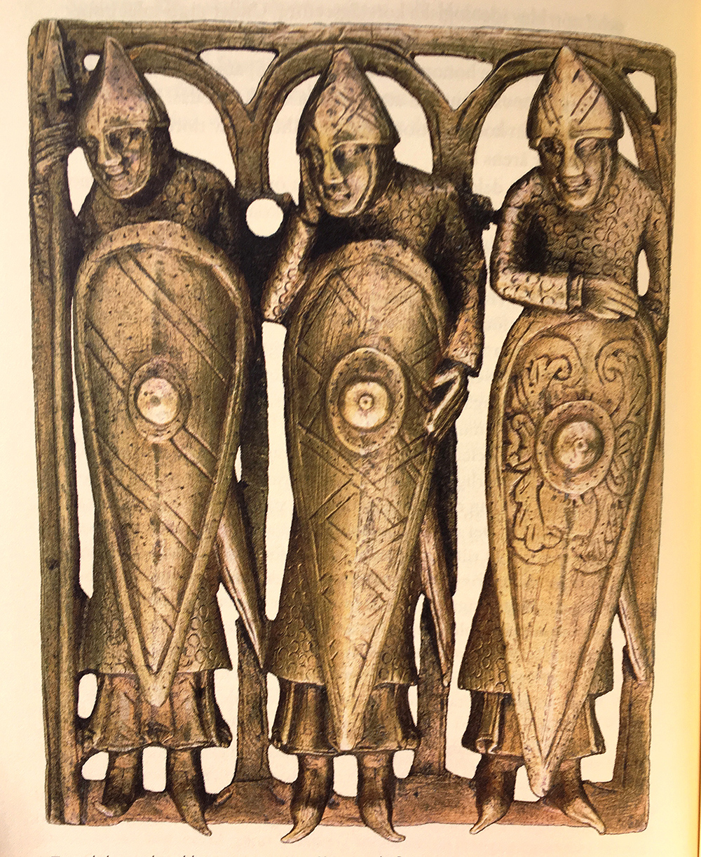 Tre riddare på relikskrin från tidigt 100-tal