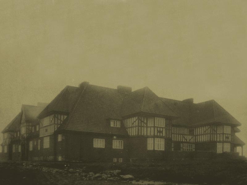 George Seatons jaktslott på Hyltenäs kulle i Marks kommun.