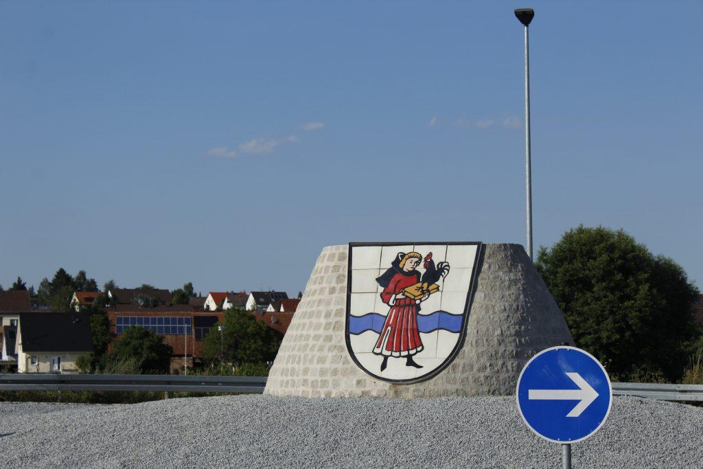 Rondell med vapensköld i centrum