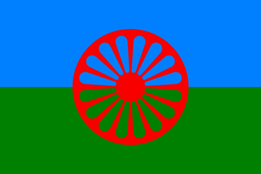 Romernas flagga. Teckning AdiJapan. Licensierad under Public Domain via Wikimedia Commons - http://commons.wikimedia.org/wiki/File:Flag_of_the_Romani_people.svg#/media/File:Flag_of_the_Romani_people.svg