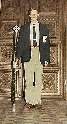 Stefan Bede med marskalksstaven vid den internationella kongressen i Uppsala 1992