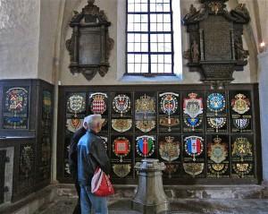 Serafimersköldar i Riddarholmskyrkan. Foto: Frankie Fouganthin