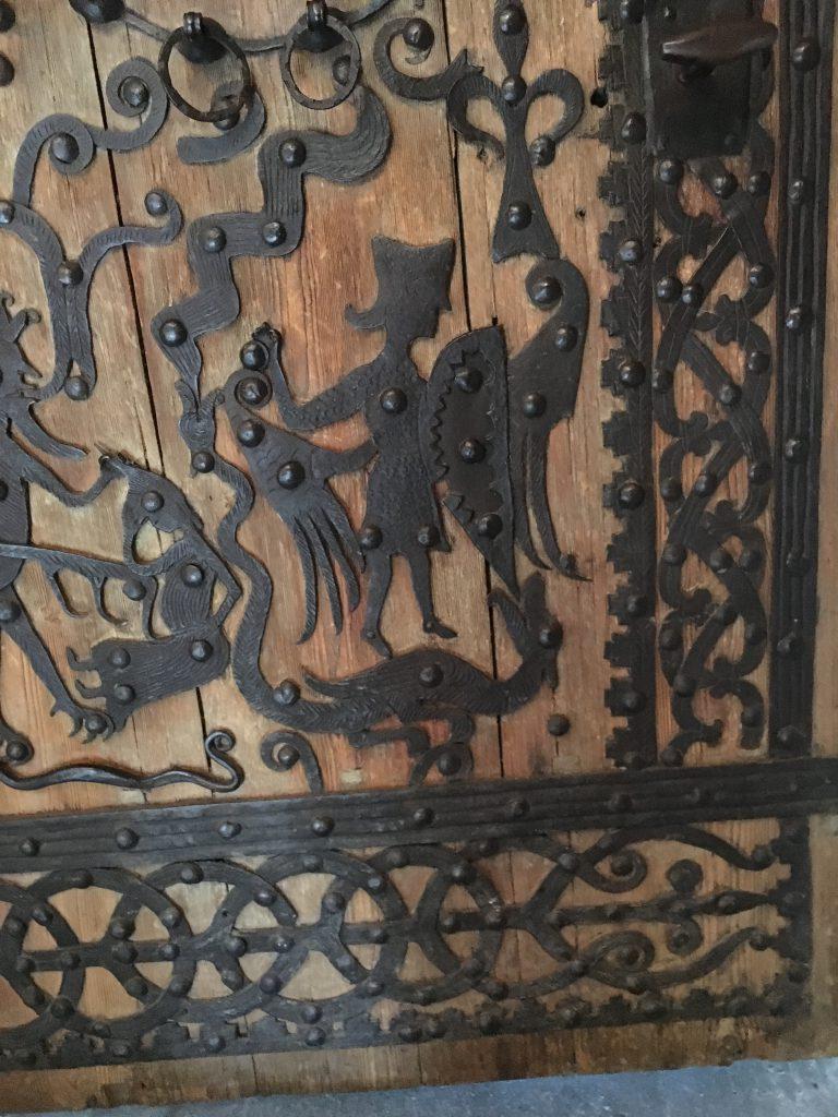 Detalj från dörren i Rogslösa kyrka, Östergötland.
